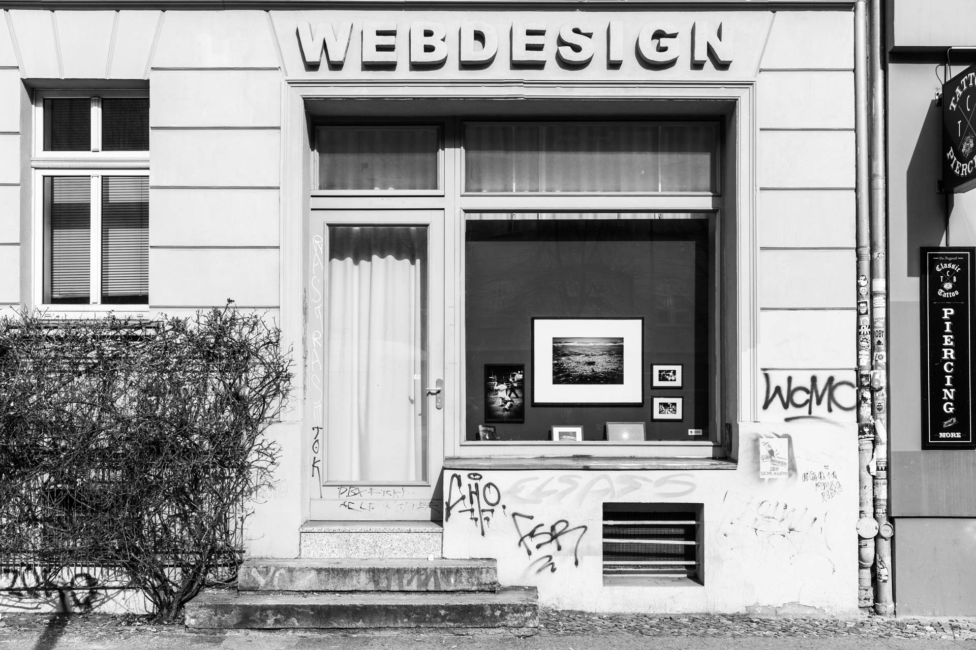 Photography in the window at Torstraße 61